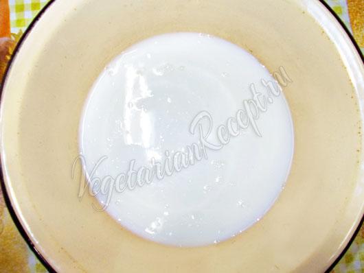 Добавляем молоко с маслом