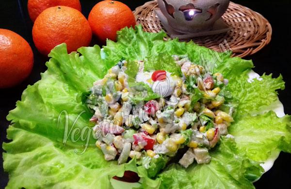 Новогодний сыроедческий салат