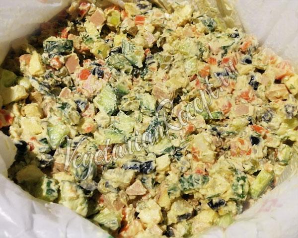 Оливье с вегетарианской колбасой - рецепт