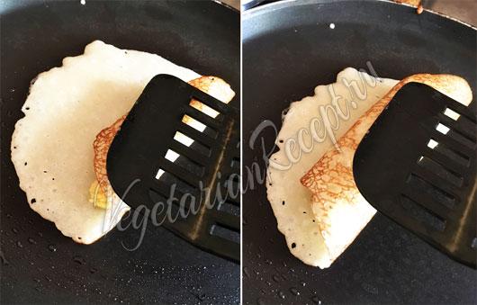 Заворачиваем блинчики на сковороде
