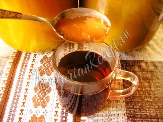 Делаем чай и добавляем повидло