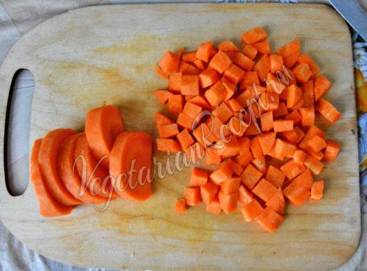 Режем морковь и овощи
