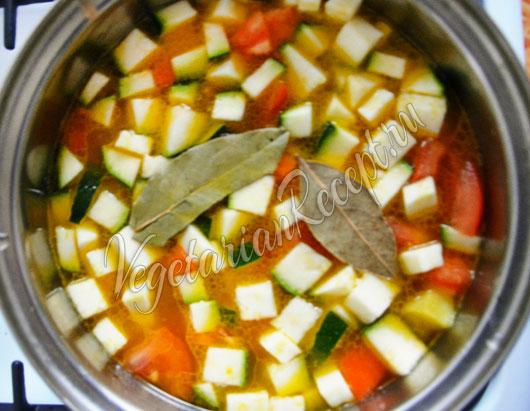 Приготовление рагу из цукини с картошкой