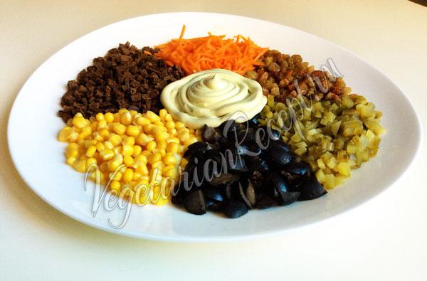 Салат Радуга - рецепт с корейской морковкой
