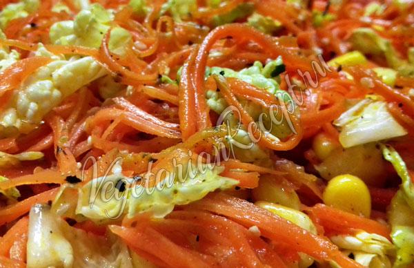 Салат из пекинской капусты с морковью и кукурузой