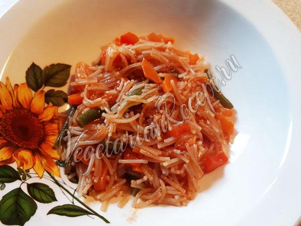 Вермишель из полбы с овощами - рецепт приготовления