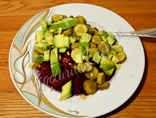 Приготовление сыроедного салата