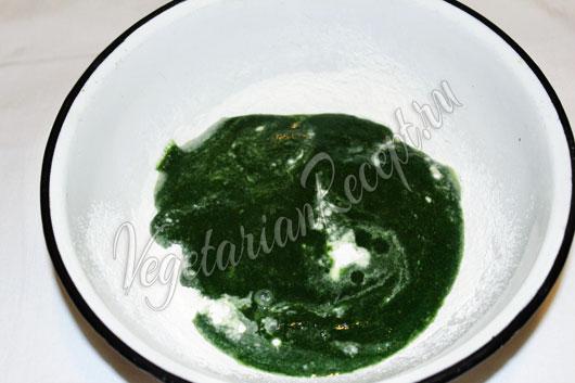 Замешиваем зеленое тесто