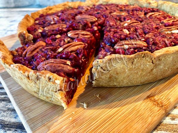 Постный пирог с брусникой - рецепт