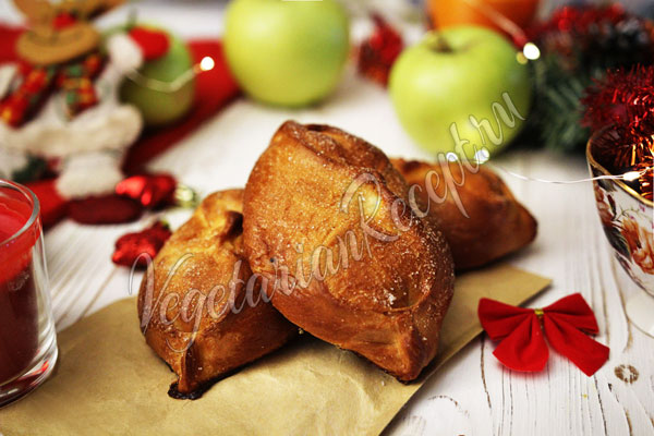 Постные дрожжевые пирожки с яблоками