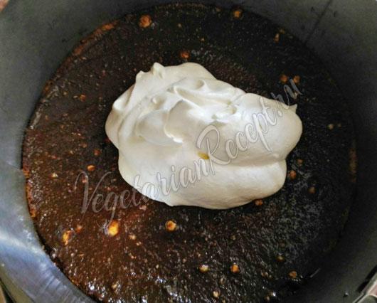 Сборка торта Нежность - шаг 2