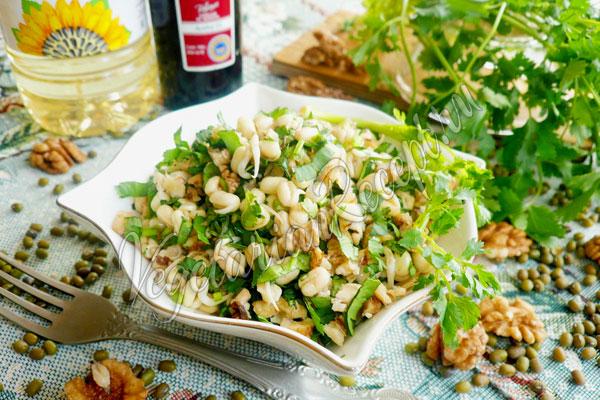 Салат из пророщенного маша - рецепт с фото