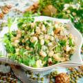 Салат из пророщенного маша с орехами